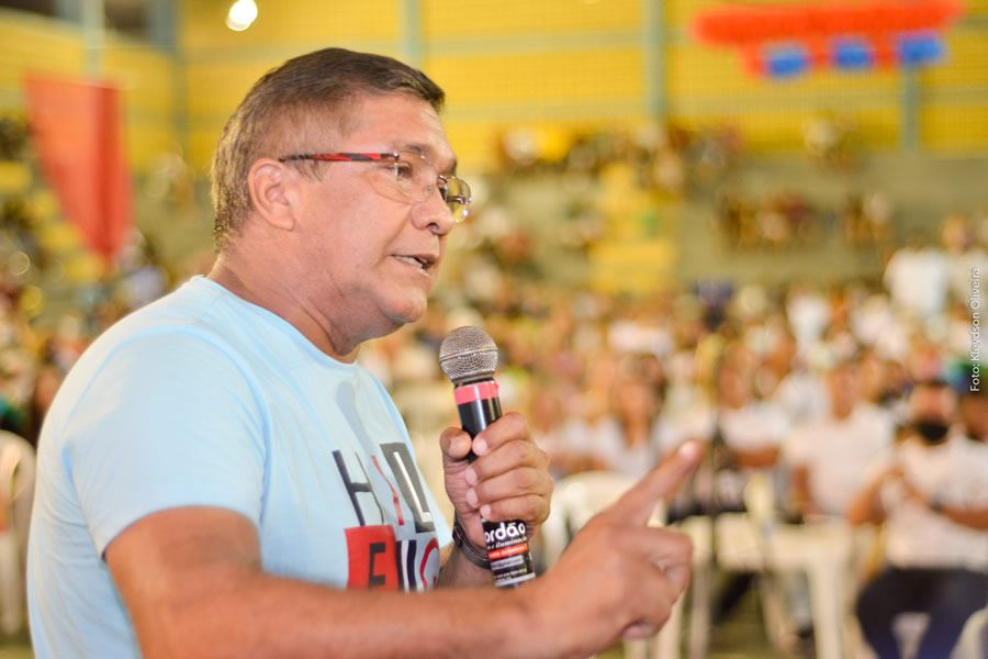 Ex prefeito e pai do atual prefeito Di Gomes